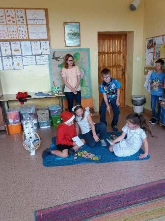 You are browsing images from the article: Odwiedziny wychowanków świetlicy w przedszkolu